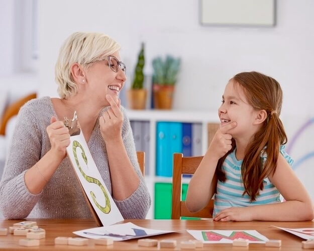 A speech pathologist can earn extra income in her spare time as a Career Redo Mentor.