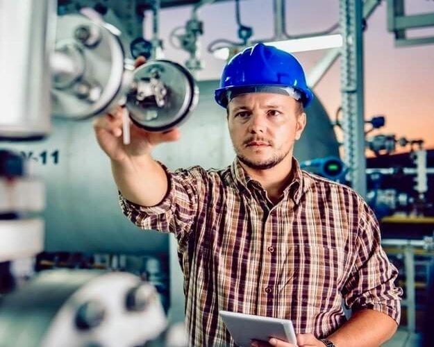 A natural gas plant technician can help others and earn money.